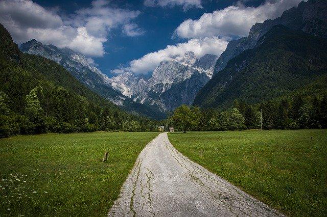 horská cesta ve Slovinsku